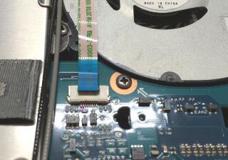 VAIO SシリーズのSVS13A2AJのマザーボードで分かりにくいケーブル