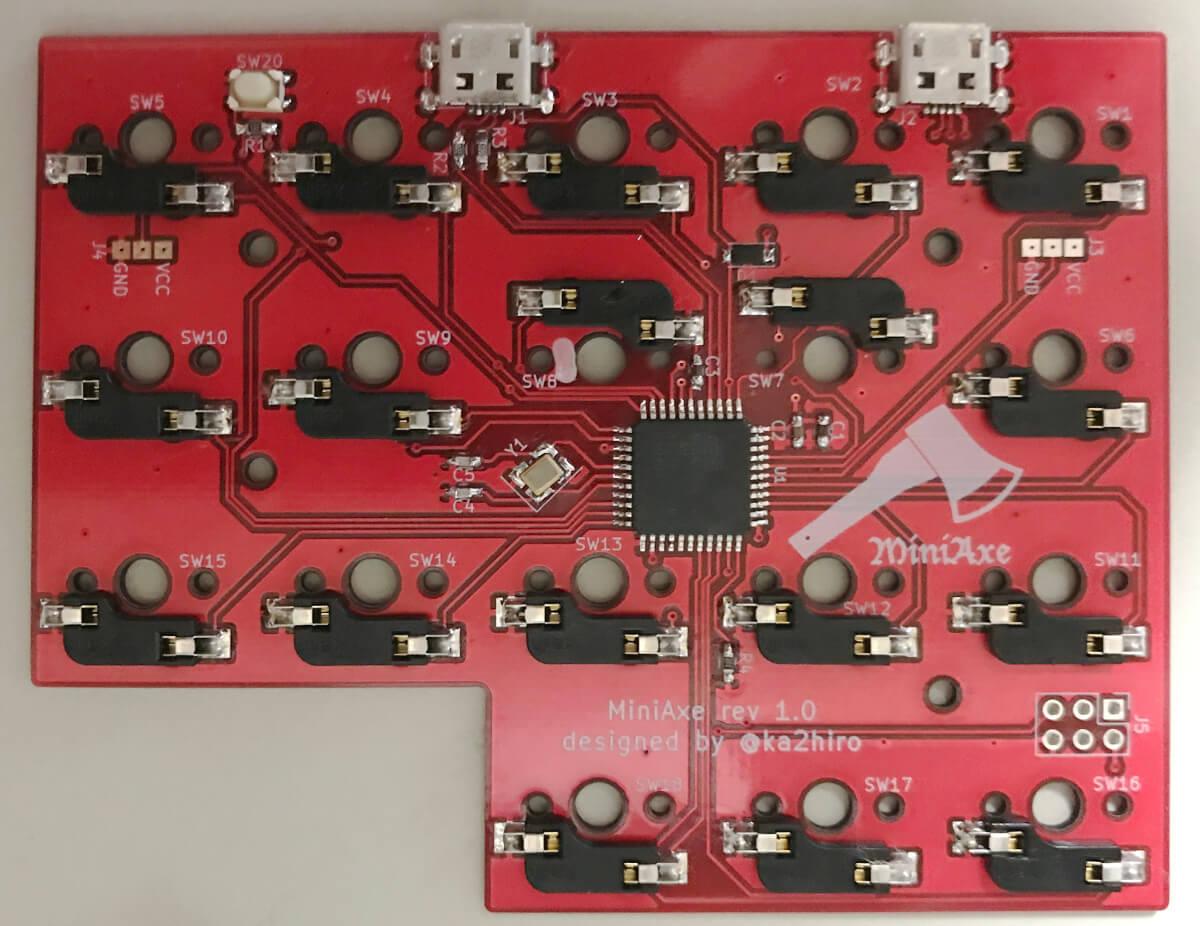 自作キーボードminiaxe製作のはんだ付け作業終了時