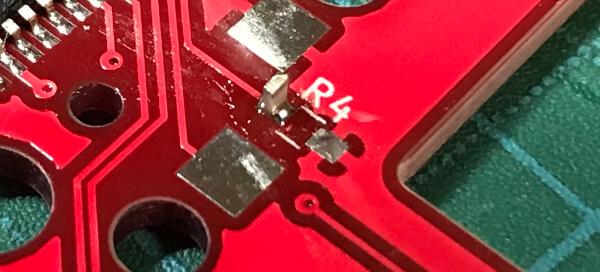 自作キーボードminiaxeの製作で、抵抗のはんだ付けで立ってしまう
