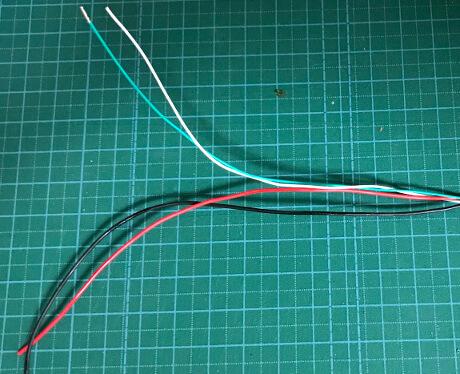 USBケーブルの中の銅線ケーブル