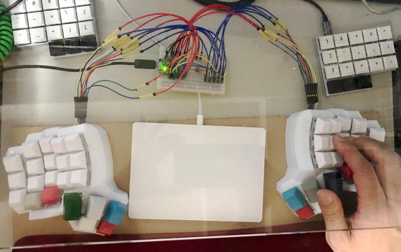 3Dプリンターで出力したキーボードケースを使った自作キーボード(空中配線)