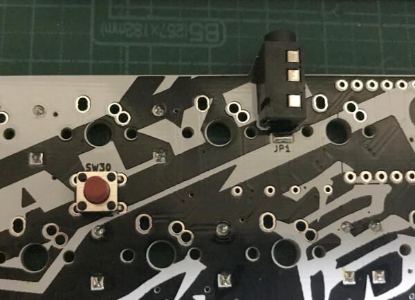 Mint60でTRRSコネクタとリセットボタン