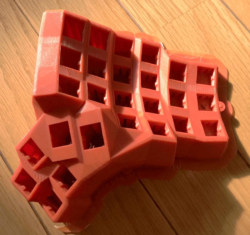 空中配線の自作キーボード用にプリントしたケース