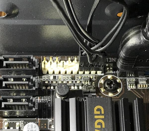 B450M-DS3Hのフロントパネルのケーブルをつなげた